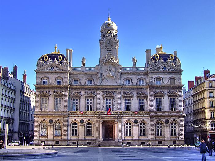 Lyon rh ne l 39 h tel de ville place des terreaux for Hotel design piscine lyon